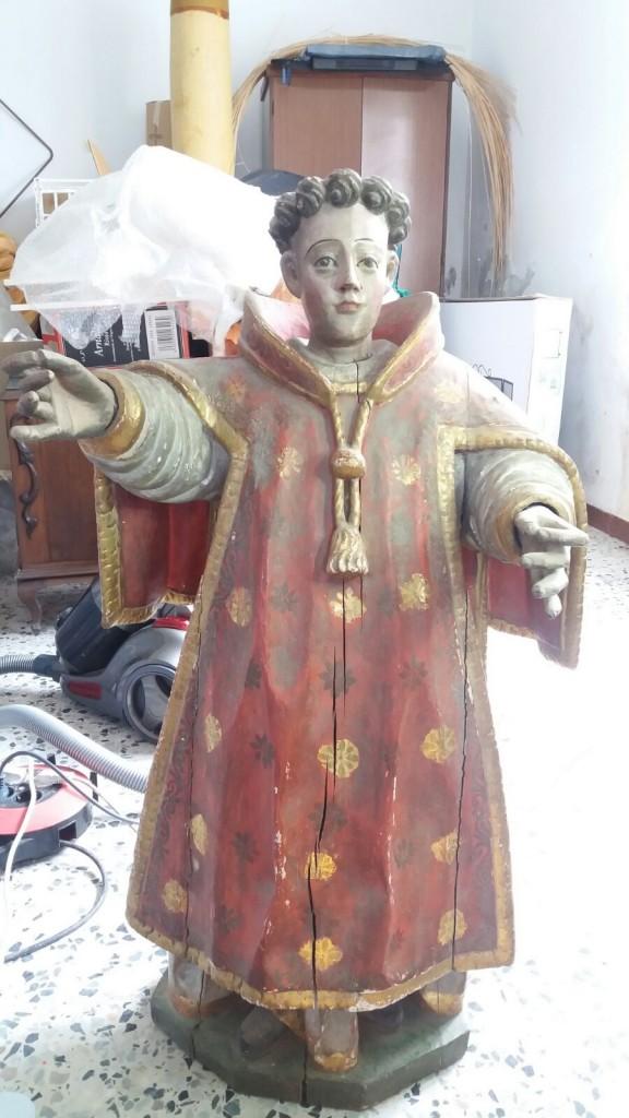 O santo no obradoiro de restauración de Marien González