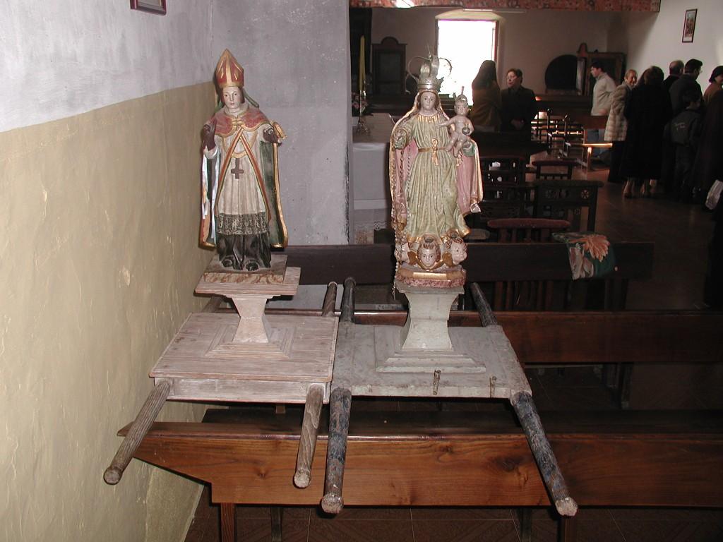 San Brais e a Virxe do Rosario, en boxes.