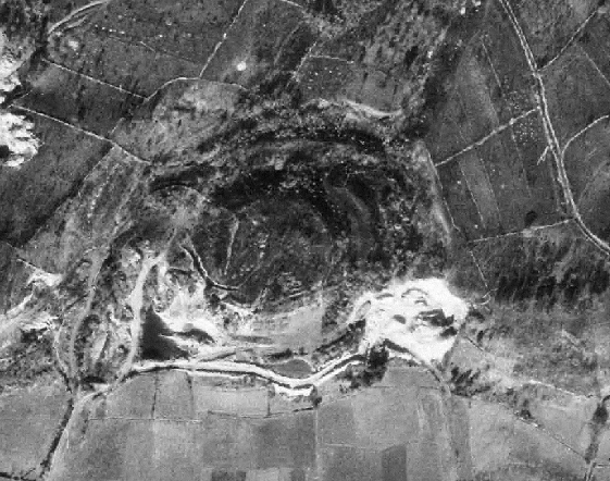 Fotografía aérea do castro de fins dos anos 70