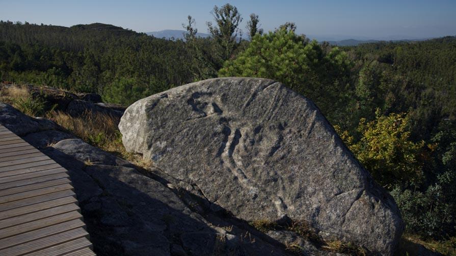 A Pedra da Serpe no castro de Penalba.